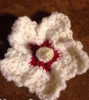http://translate.googleusercontent.com/translate_c?depth=1&hl=es&prev=/search%3Fq%3Dhttp://jkwdesigns.com/free-patterns/%26safe%3Doff%26biw%3D1429%26bih%3D995&rurl=translate.google.es&sl=en&u=http://jkwdesigns.com/2014/04/25/pattern-mugunghwa-the-national-flower-of-korea/&usg=ALkJrhjSu15Sc16iVYP4Db7HaobWVzipBw