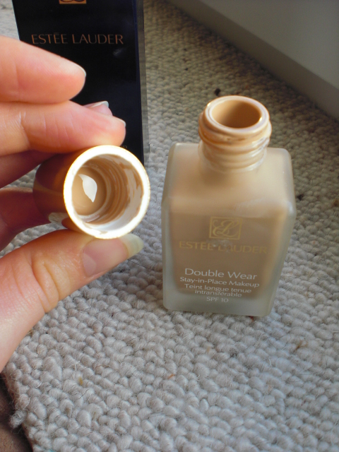 my own beauty estee lauder double wear foundation review. Black Bedroom Furniture Sets. Home Design Ideas