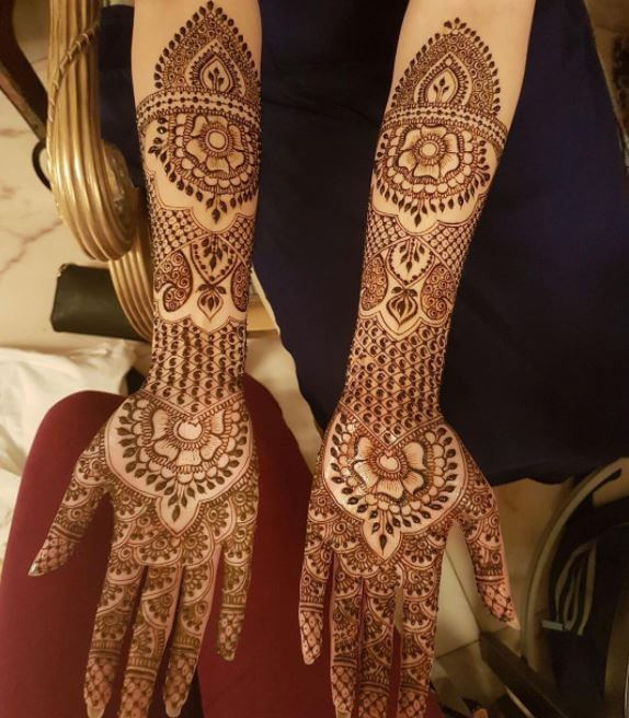 Full Hand Simple Mehndi Designs For Kids
