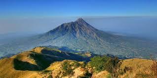 Gunung Merbabu (3.142 MASL)