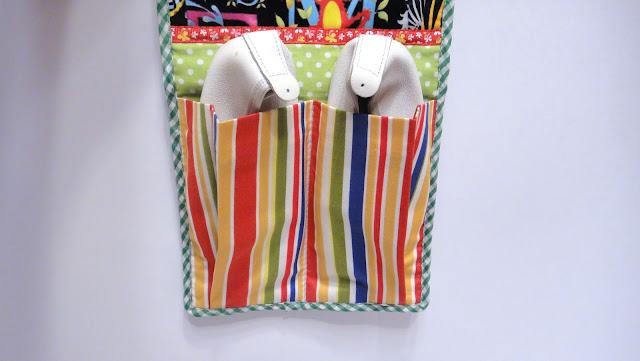 Детские кармашки в садик на заказ, кармашки с именем. Тема, ткани и размеры на выбор заказчика.