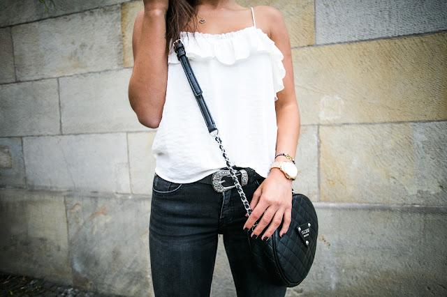 Black jeans  - Czytaj więcej