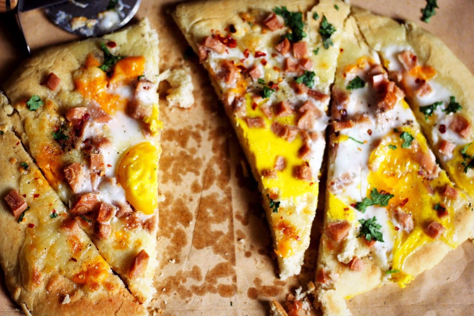 Pancake-Mix-Crust-Breakfast-Pizza-TTTB