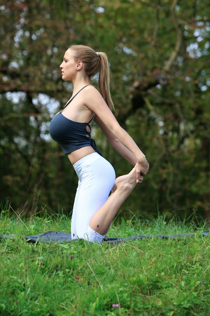 Jordan-Carver-Yoga-Hot-Sexy-HD-Photoshoot-Image-10