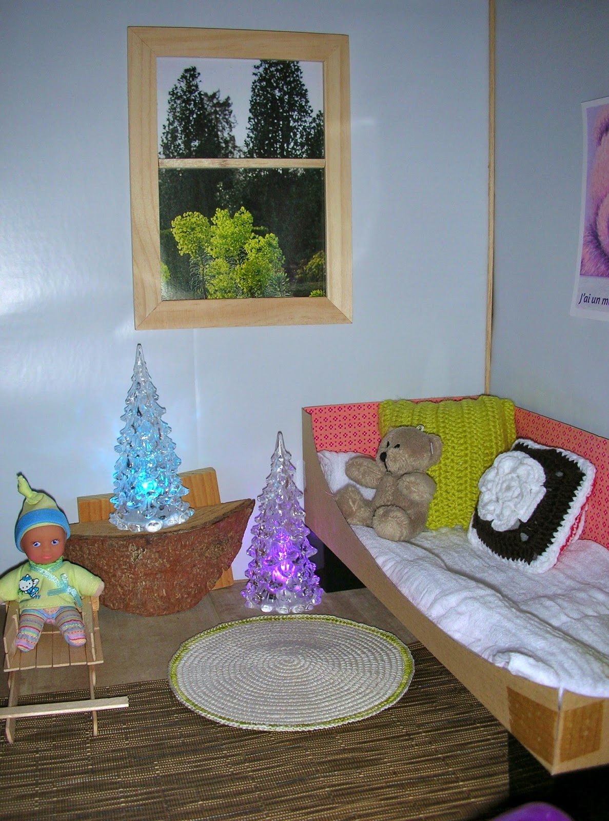 le petit monde de line la chambre de mascha. Black Bedroom Furniture Sets. Home Design Ideas
