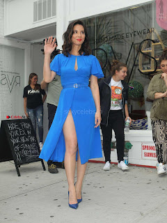 Olivia-Munn-at-Proactiv-Pop-Up-Experience-6+%7E+SexyCelebs.in+Exclusive.jpg