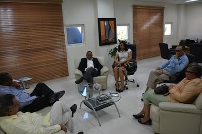 Director de Distrito 0103 se reúne con exdirectores regionales