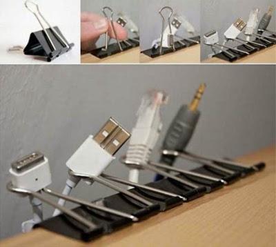 Organizar los cables de aparatos tecnológicos.