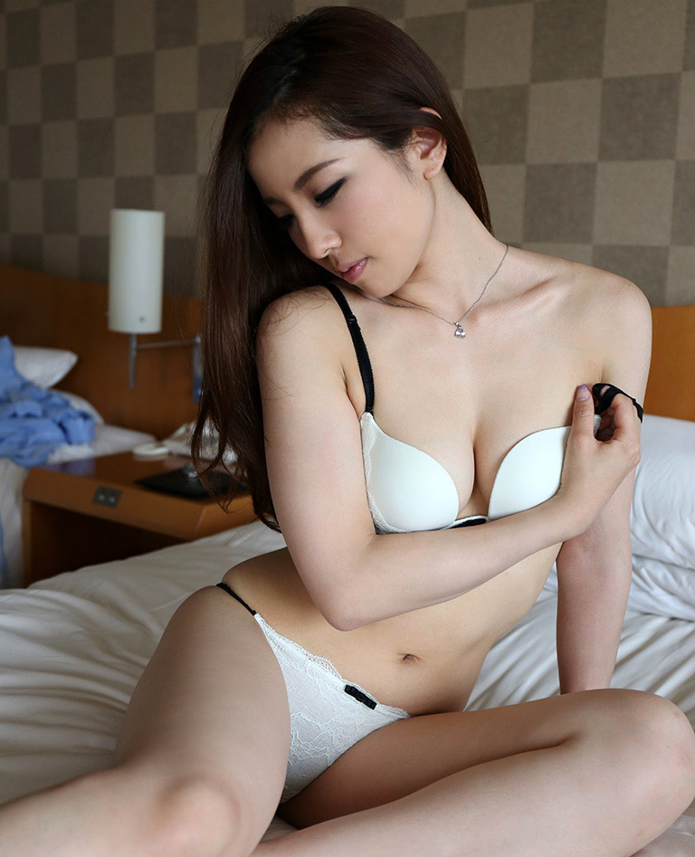 maki yokoyama sexy nude pics 02
