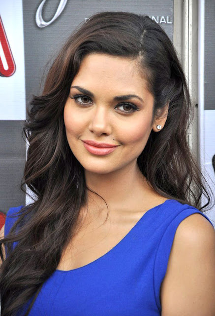 Esha Gupta Biodata Profile Family Photos