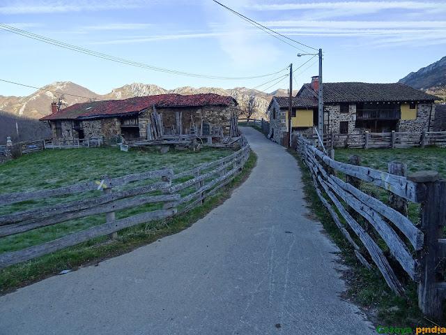 Partimos de La Infiesta en el concejo asturiano de Caso.
