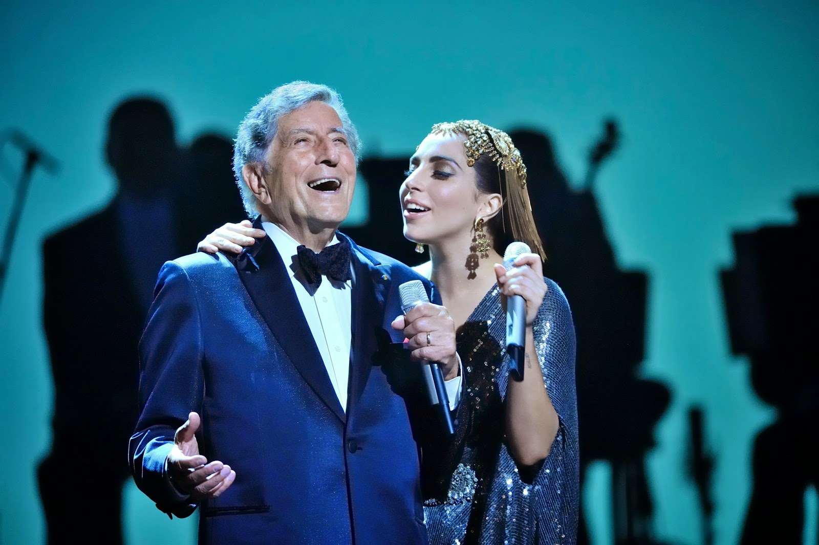 "Lady Gaga e Tony Bennett lançam vídeo para mais uma faixa do Cheek to Cheek, ""But Beautiful""!"