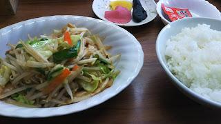 壺の肉野菜炒め定食