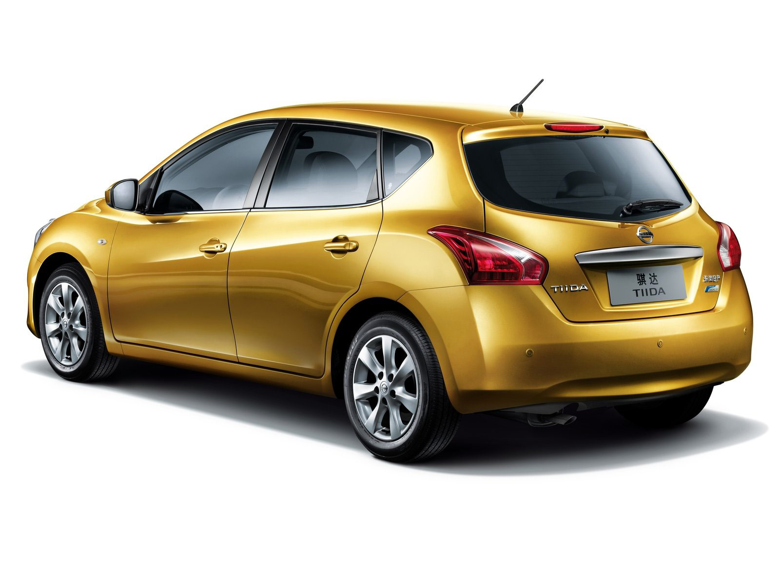 2012 NISSAN Tiida Japanese car wallpapers, review