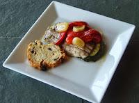Tosta de calabacín, sardina y pimiento del piquillo