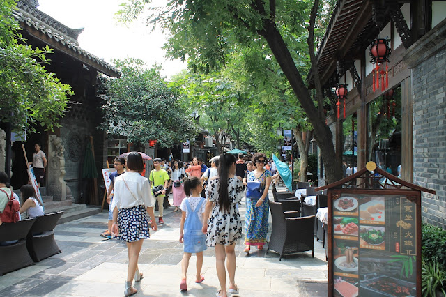 Top Five Things to See, Eat & Do in Chengdu, China
