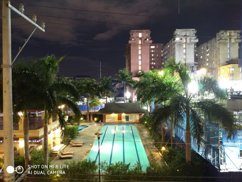 Xiaomi Mi 8 Lite Main Camera Sample - Night, Manual (4 Sec, ISO100), Pool
