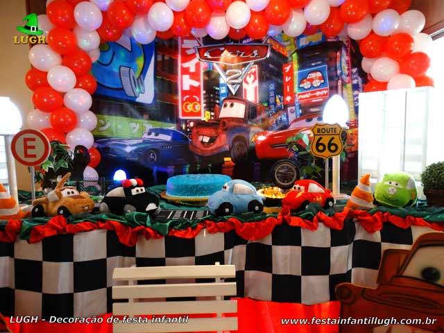 Decoração de mesa temática Carros para festa de aniversário infantil