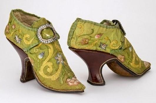 49366bb89b Pero cuando el zapato de tacón se hizo tan popular que las clases bajas  también empezaron a usarlo