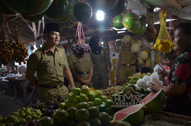 Plt Bupati Nur Arifin Turun Langsung Meninjau Kondisi Pedagang Pasar Pon