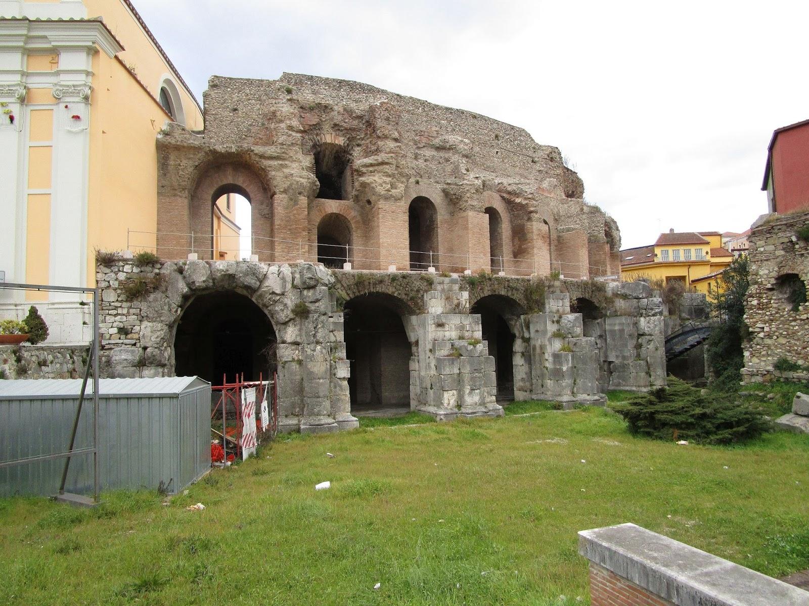 Bisanzio Il Teatro Romano Di Benevento