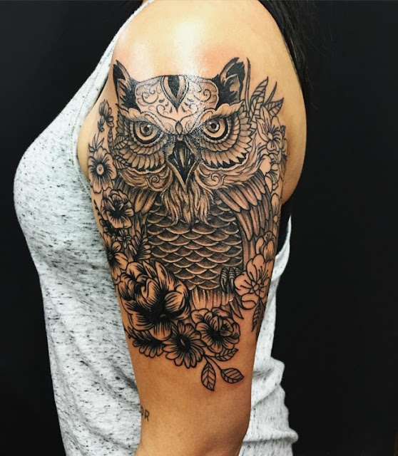 Stunning Shoulder Owl with Flower Tattoos