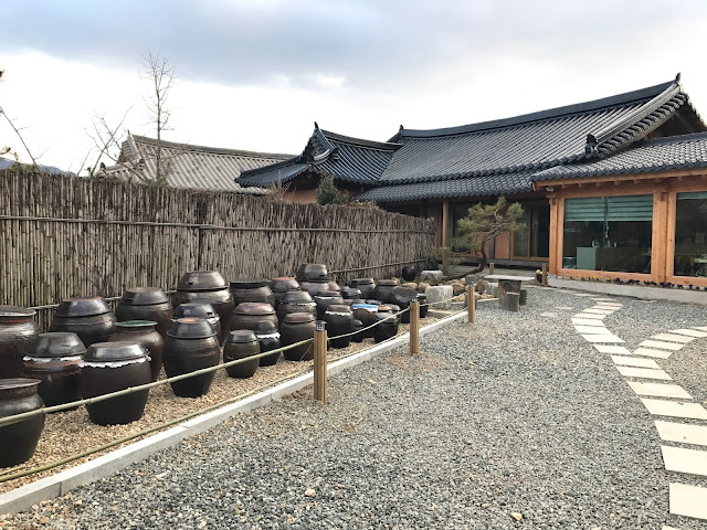 Jangdokdae platform for crocks of sauces and condiments