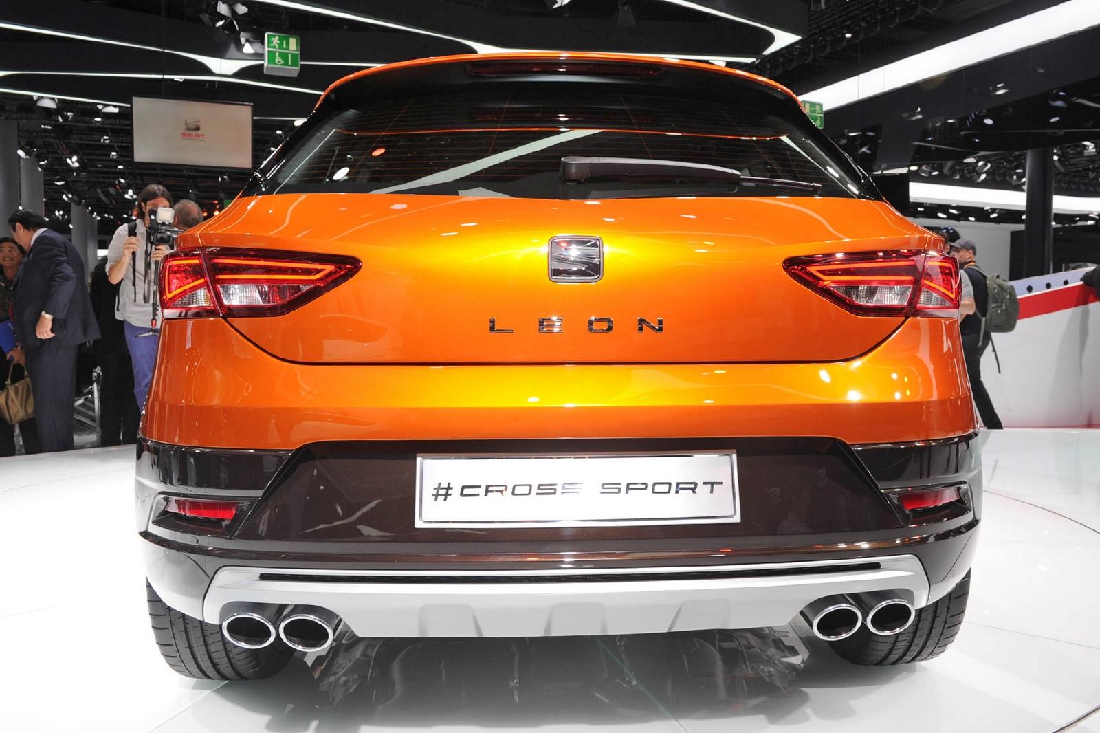 frankfurt 2015 seat leon cross sport concept 2016 live photos garage car. Black Bedroom Furniture Sets. Home Design Ideas