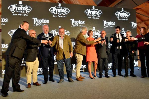 Bodegas Protos celebra su 90 aniversario rodeado de ilustres amigos