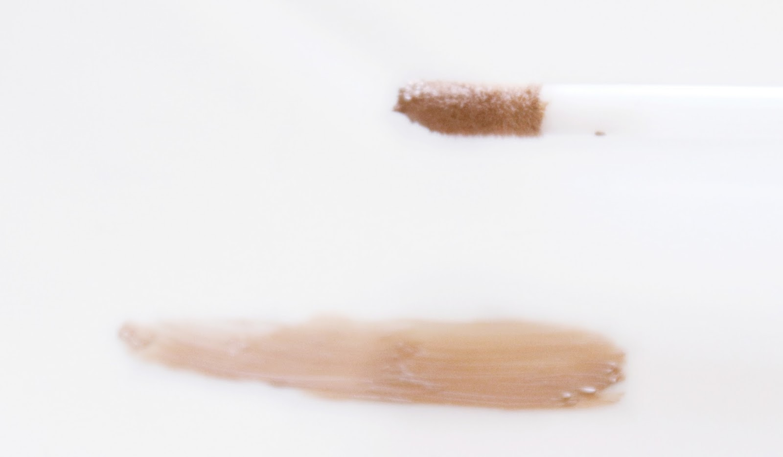 Ombre a paupière mat liquide eyeslipsface