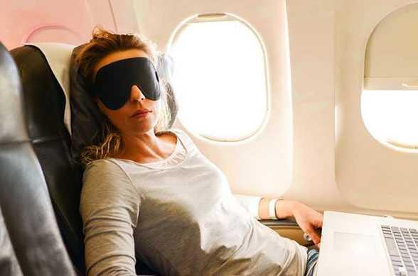 6 cara untuk mudah tidur dalam pesawat