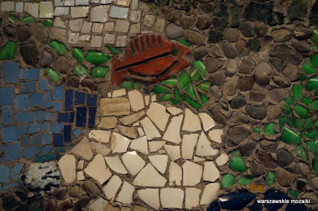 Warszawa Warsaw warszawskie mozaiki mozaikowo plac Zbawiciela rybka
