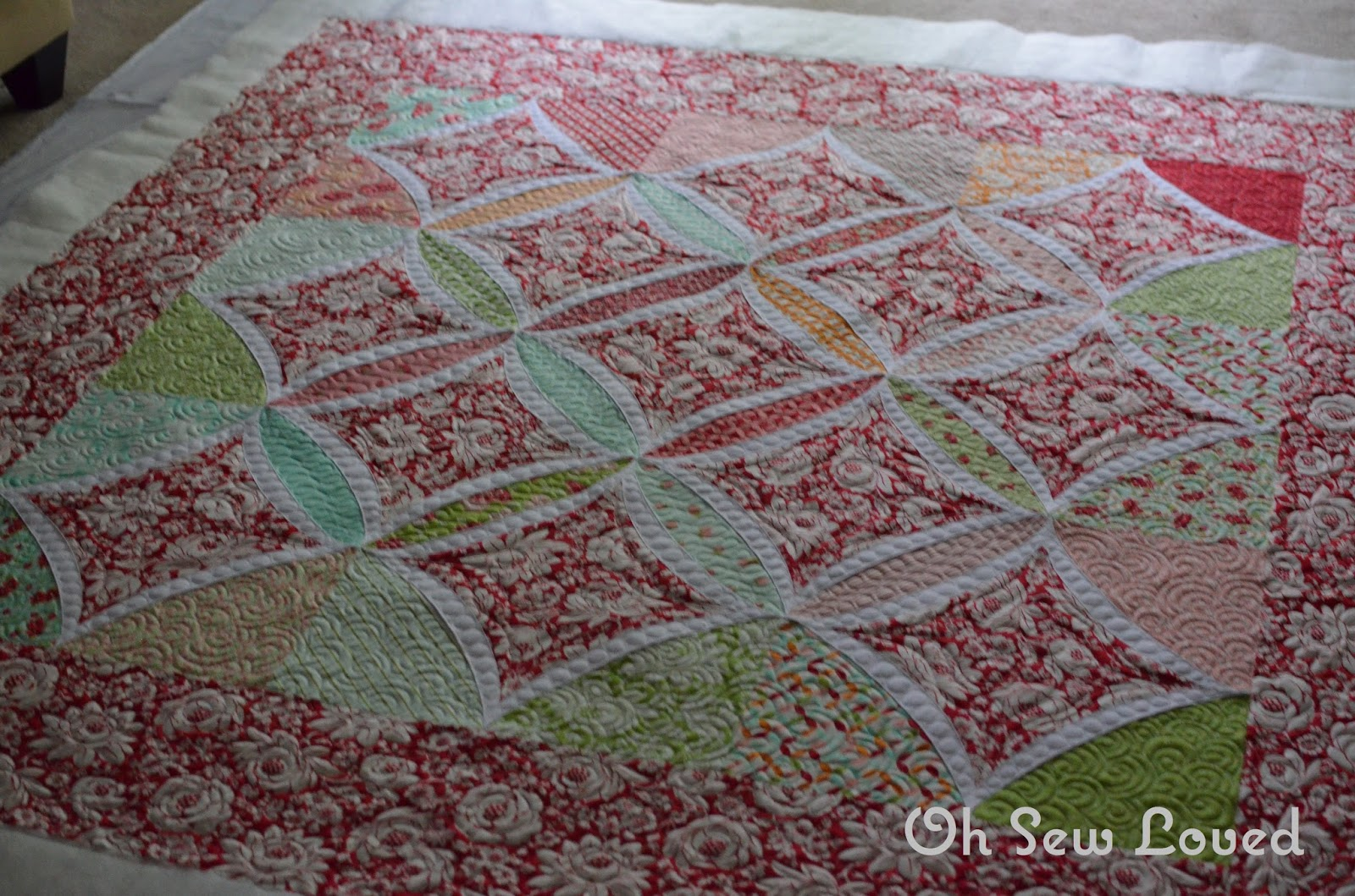 Oh sew loved truda 39 s cathedral window quilt for Window quilt