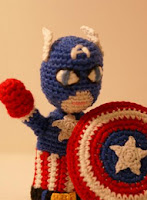http://patronesamigurumis.blogspot.com.es/2013/07/patron-superheroe-amigurumi.html