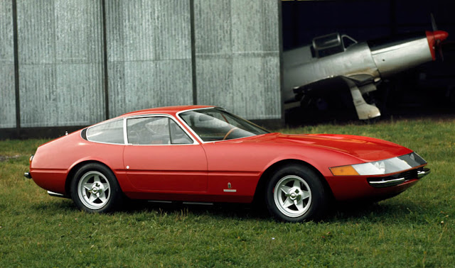 フェラーリ 歴代の名車 365GTB4