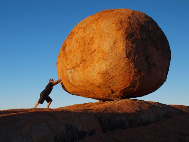 Graban la caída de un meteorito en Siberia