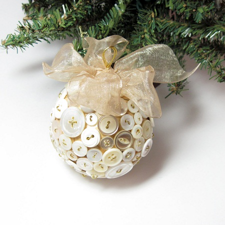 Button Christmas Ornaments