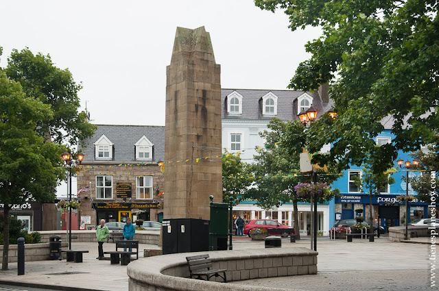 Plaza de Donegal Town Irlanda