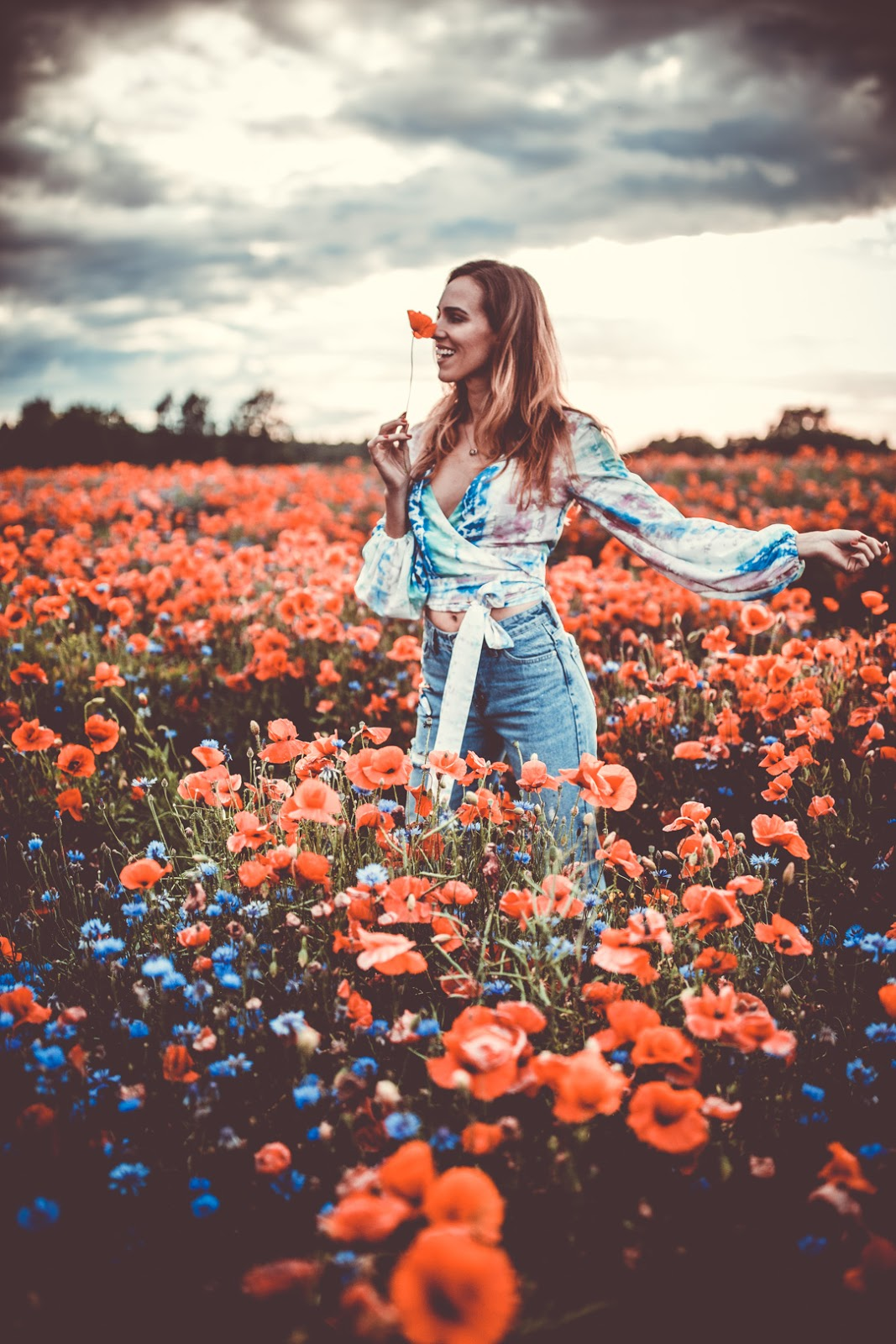 girl poppy fields photography