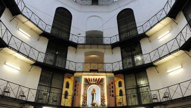 TACCO12 cm di Chiara Maria Gargioli Guerra di Parole nel Carcere Romano di Regina Coeli