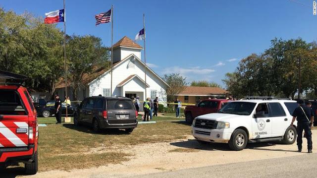 Reportan al menos 20 muertos en tiroteo masivo en una iglesia de Texas