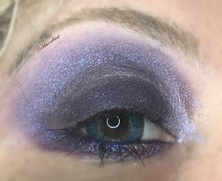 eye_makeup_look_gothic_purple