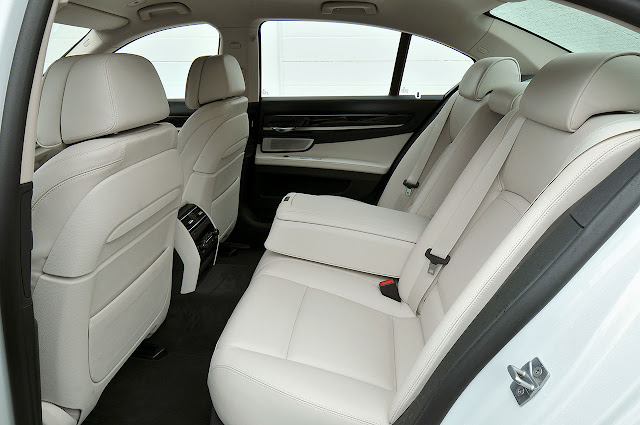 The new BMW 7 Series interior back