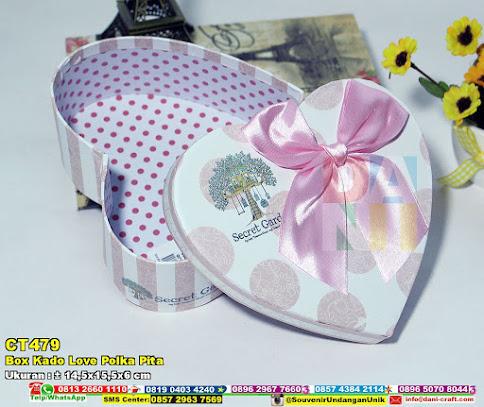 Box Kado Love Polka Pita