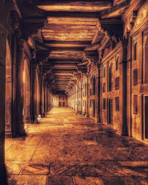 corridor at buland darwaja