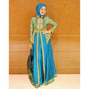 Model Baju Muslim Terbaru Untuk Pesta Ala Dian Pelangi Terpopuler