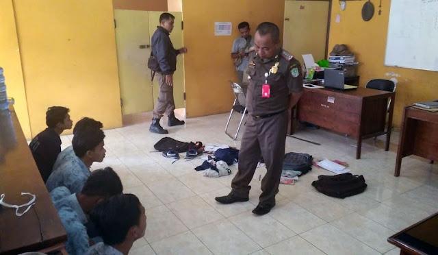 Pelajar bolos diamankan petugas
