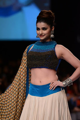 Prachi Desai Walk the ramp on Lakme Fashion Week-2013
