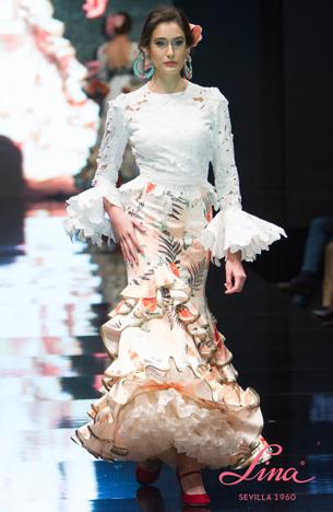 traje flamenca, blusa blanca y falda de volantes Lina 2016