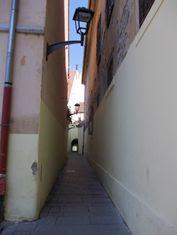 Intrarea în gang din strada Odobescu, către str. Mitropoliei